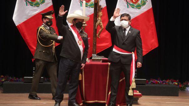 Pedro Castillo y Walter Ayala