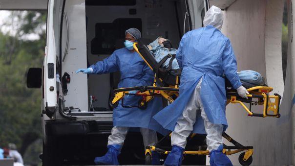 Vacunas aplicadas en Chile previenen ingresos a unidades de cuidados intensivos.