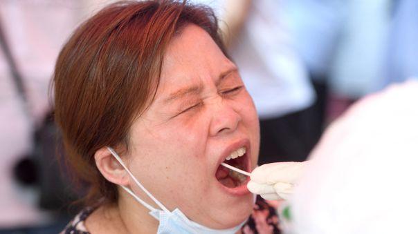 Variante delta del covid llega a Wuhan y dispara hospitalizaciones en EEUU