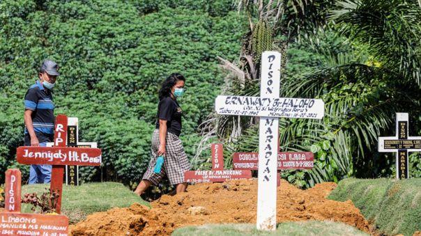 Indonesia supera los 100 000 muertos por COVID-19.