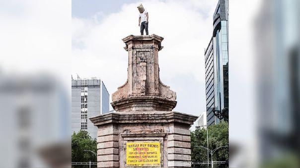 México. Estatua Cristóbal Colón. Colonialismo.