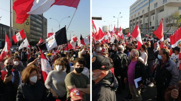 Manifestación en los exteriores del Congreso.