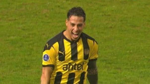 Trindade estuvo fino y marcó el primer gol 'carbonero' sobre Sporting Cristal.
