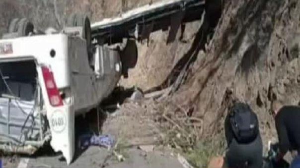 Accidente en Apurímac deja al menos 16 fallecidos y 2 heridos.