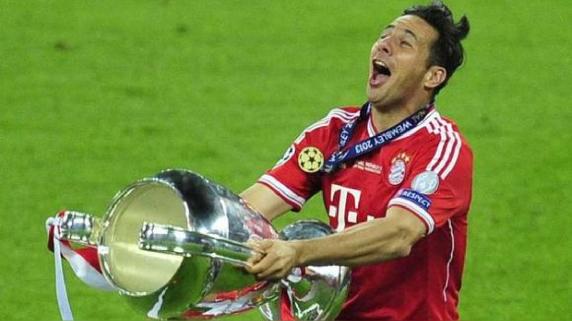 Claudio Pizarro sabe lo que es levantar el trofeo de la Champions League.