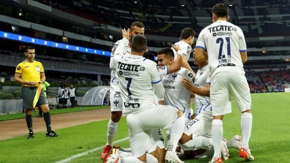 Monterrey no tuvo problemas para anotarle cuatro goles al Cruz Azul.