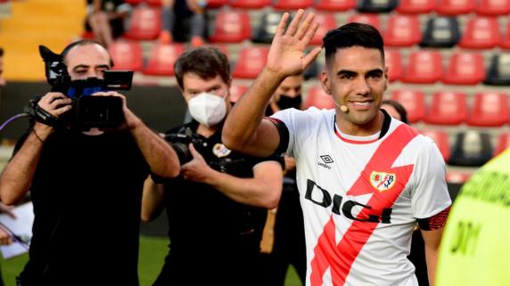 Radamel Falcao firmó en Rayo Vallecano por una temporada.