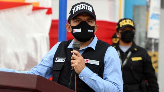 Ministro cuestionó la agresión que sufrió el exfiscal Avelino Guillén.