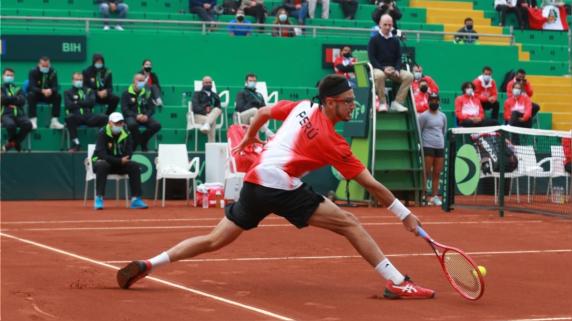 Perú cae ante Bosnia en su primer partido de la Copa Davis.