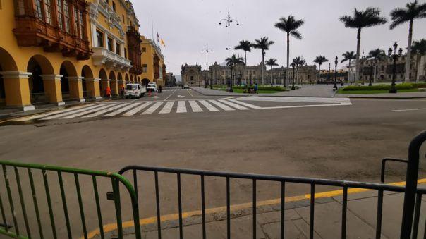 Con rejas: Así luce la Plaza Mayor de Lima desde que Pedro Castillo tomó la presidencia de la República.