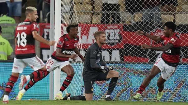 Flamengo dio un tremendo paso para meterse a la final de Copa Libertadores.