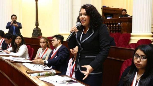 Con más espacios políticos libres de violencia, jóvenes mujeres tendrán mayores oportunidades para asumir su liderazgo. | Foto: Congreso de la República.