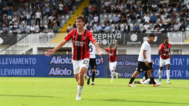 Daniel Maldini colaboró en la victoria del AC Milan sobre Spezia.
