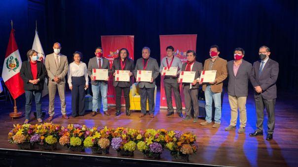 Richard Parra, Lizardo Cruzado y Javier Mariscal recibieron el Premio Nacional de Literatura 2021
