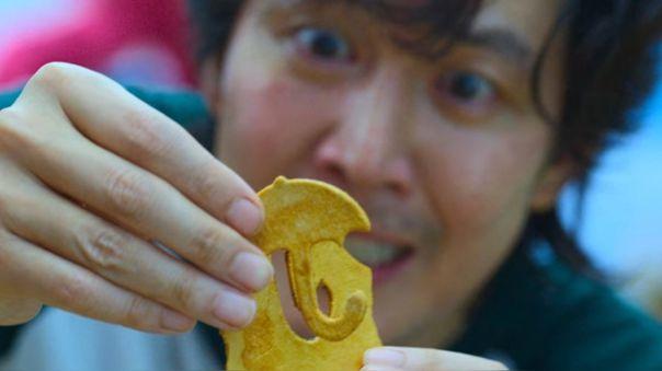 Aprende a preparar el famoso Dalgona candy, las galletas de