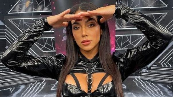 Vania Bludau se salvó de ser eliminada, sin embargo, se mostró incomoda por las opiniones de Santi Lesmes y le respondió.