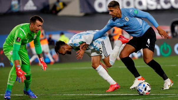 Ronald Araujo es baja en Uruguay para enfrentar a Brasil por las Eliminatorias