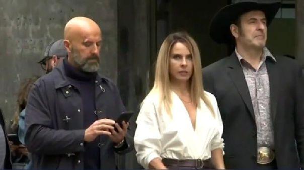 Antonio Gil (Oleg Yasikov), Kate del Castillo (Teresa Mendoza) y Alejandro Calva ('Batman') están en el Jirón Ocoña, en el Cercado de Lima, rodando 'La reina del sur 3'.