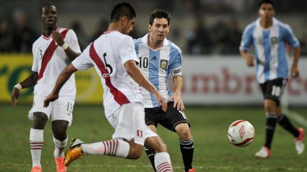 Carlos Zambrano sería titular en el Perú vs. Argentina por Eliminatorias