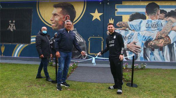 Lionel Messi inauguró mural de los campeones de la Copa América