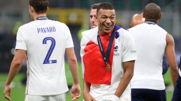 Kylian Mbappé termina contrato en PSG a mediados de 2022.