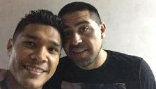 River Plate: Teófilo Gutiérrez se toma un selfie con Juan Román Riquelme