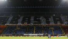 AC Milan: Hinchas protestan con singular anuncio en la tribuna