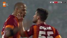 Youtube: Felipe Melo se arrebató y casi agrede a su compañero del Galatasaray