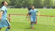 Youtube: Sergio Agüero y David Villa se retaron en el divertido 'fútbol-tenis'