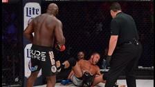 MMA: Kimbo Slice sufrió pero terminó noqueando a Ken Shamrock en Bellator 138
