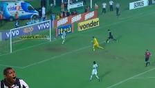 YouTube: argentino Miguel Herrera falló increíble gol con Vasco da Gama
