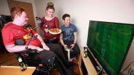 Facebook: joven tetrapléjico será el primero en un usar un control de boca de Play Station