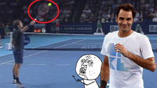 YouTube: Roger Federer hizo mágica jugada con el balón que levantó al público