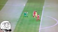 YouTube: arquero Jens Teunckens comete un 'blooper' en Mundial sub 17