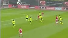 YouTube: jugador del Benfica hizo dos huachas y marcó a los 13 segundos