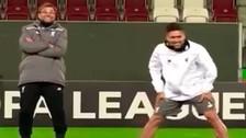 Video: Jürgen Klopp humilló a Roberto Firmino con una huacha
