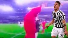 Video: Arjen Robben le pidió su camiseta a Paulo Dybala