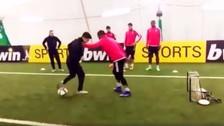 Patrice Evra de la Juventus fue humillado por artista de freestyle