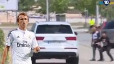 Real Madrid: Luka Modric fue escupido por dos niños por no firmarles autógrafos
