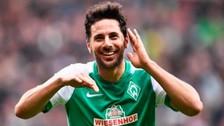 Claudio Pizarro renovó contrato con el Werder Bremen por una temporada más