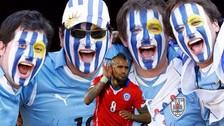 Arturo Vidal fue troleado por un hincha uruguayo [VIDEO]