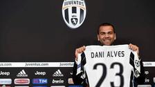 Daniel Alves fue presentado en Juventus y usará la 23 en honor a Lebron James
