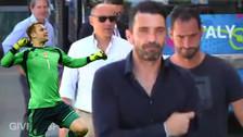 VIDEO. Gianluigi Buffon se dio un emotivo abrazo con los hinchas italianos