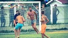 Gianluigi Buffon y su conmovedor gesto con unos niños italianos