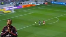 Robinho falló un gol cuando estaba frente al arco y sin portero