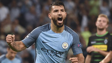 Sergio Agüero marcó un triplete en la victoria del Manchester City