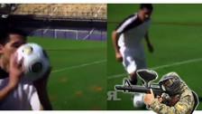 Video. Juan Román Riquelme protegió una pelota de las balas de paintball