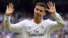 Cristiano Ronaldo conmovió con foto estudiando junto a su hijo