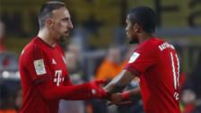 Ribery y Douglas Costa se enfrentaron en un desafió de penales
