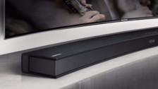 Samsung presentó un soundbar para televisores curvos